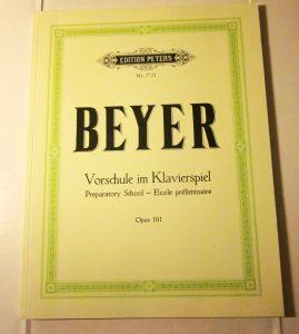 دانلود کتاب آموزش پیانو بیر (Beyer) یک متد عالی برای کسانی که می خواهند نوازندگی پیانو را یادبگیرند نوشته ی فردیناند بیر (Ferdinand Beyer)