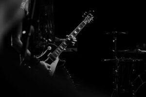 بهترین کار این است که قبل از شروع آموزش گیتار الکتریک بیشتر با روحیه خودتان آشنا شوید