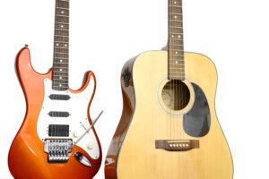 برجستهترین تفاوت بین آنها در این است که گیتار اکوستیک با بدنه توخالی و گیتار الکتریک با بدنه توپر ساخته میشود