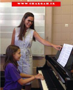 آموزش پیانو در هر سطح، حدود 3 تکنیک و 10 قطعه ی جدید میآموزید ولی اگر بخواهید امکان اینکه تعداد قطعات بیشتری بنوازید وجود دارد