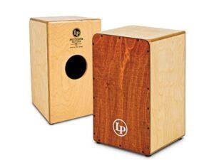 کاخون جعبه ای شش وجهی و مکعب مستطیل شکل است که پنج وجه آن را از یک لایه چوب نازک به ضخامت 3/1 تا 2 سانتیمتر (5/0 تا 75/0 اینچ) می سازند .